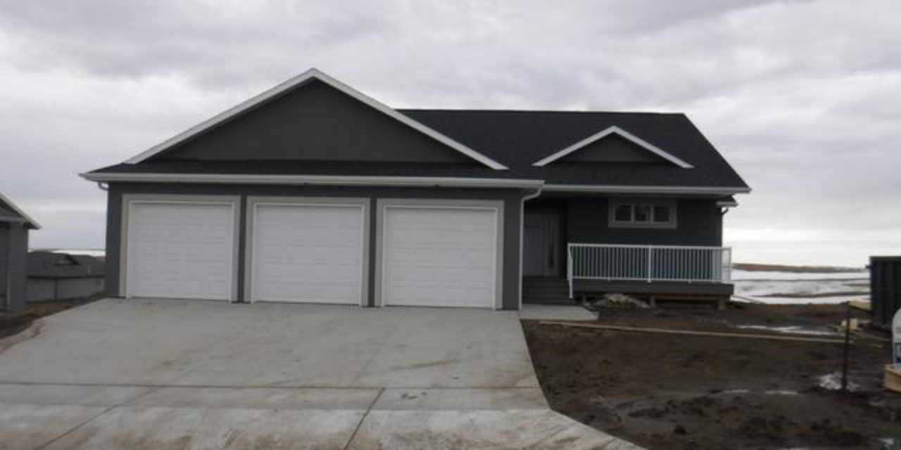 For Sale: 4712 Grey Hawk Ln, Bismarck ND