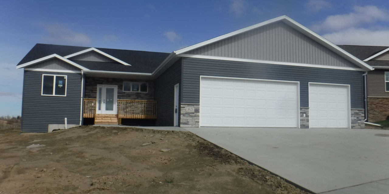 For Sale: 1621 Plains Bend, Mandan ND